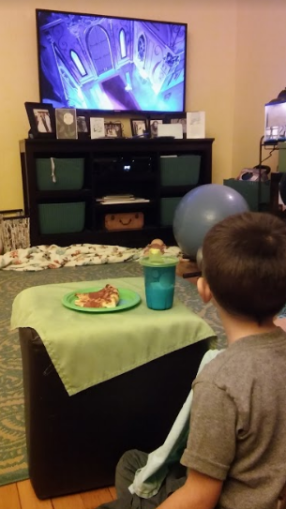 A special Mama-Sport night, where pizza was allowed in the living room (!) and we watched Beauty and the Beast.