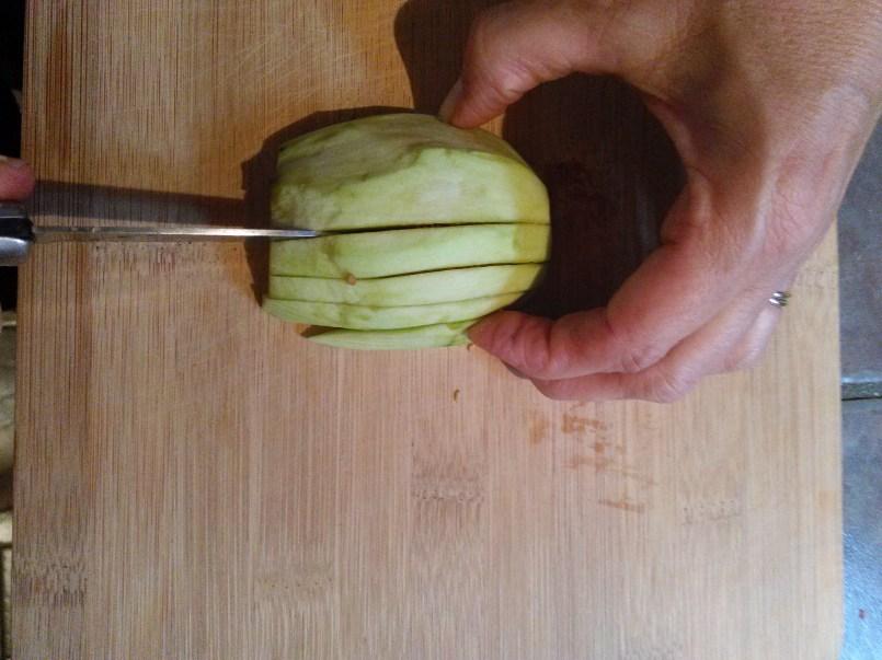 cutting-eggplant