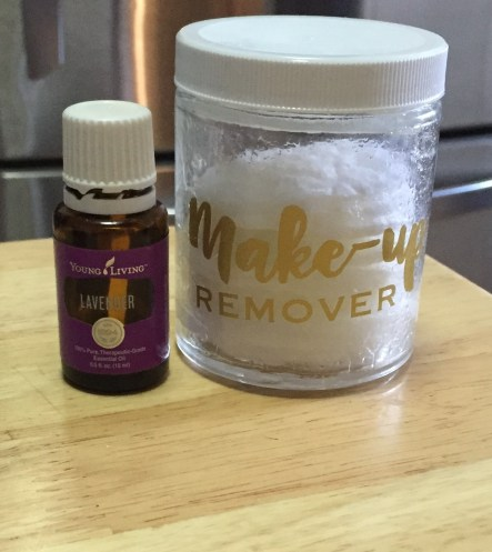 young-living-lavender-makeup-remover-2