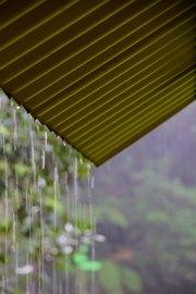 Un abri pile-poil au moment du déluge