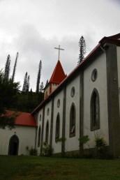 On ne peut manquer l'église en traversant le hameau de Vao