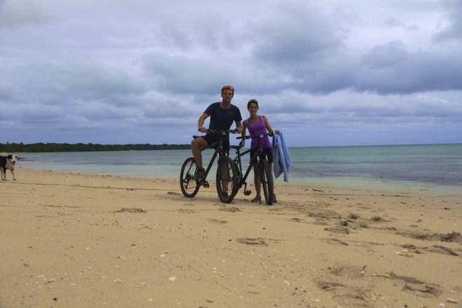 Après 5-6h de vélo, petite pause sur cette grande plage