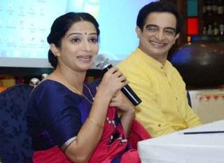 Actors Pankaj Vishnu and Poorva Gokhale
