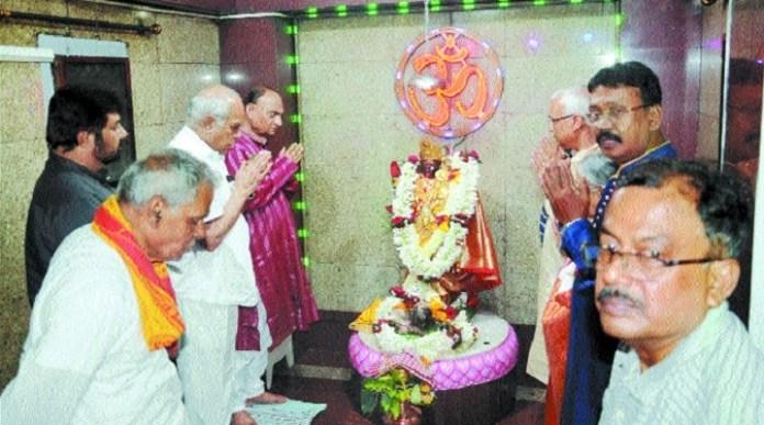 TN Governor Purohit inaugurates Sarbojanin Diwali Kali Puja fest in Nagpur