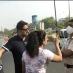 """""""Will kiss my husband"""": Delhi Couple Misbehaves with Police Over Curfew Check"""