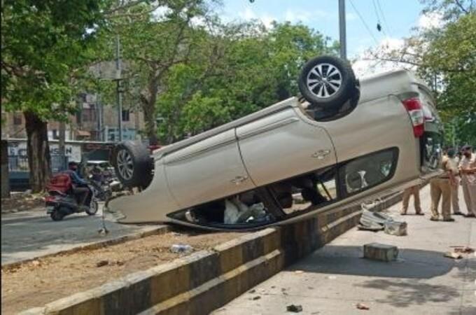 Speeding car hits e-rickshaw near Baidyanath Square, one killed