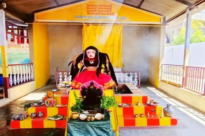 कोरोनापासून बचावासाठी चक्क कोरोना देवीची स्थापना, धोका कमी होईल असा दावा
