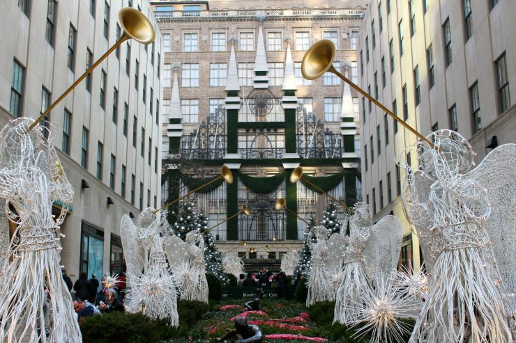Where to experience the holiday season in New York City! // Family Travel | Travel with Kids | Christmas in NYC | Rockefeller Plaza | 5th Avenue | Macy's Santa | Christmas Markets | US Travel | United States | America | White Christmas | Holiday Travel | Winter Travel