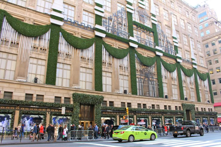 New York City for the Holidays: from 5th avenue to Macy's, tips for planning a trip to NYC during the most wonderful time of year | ournextadventure.co