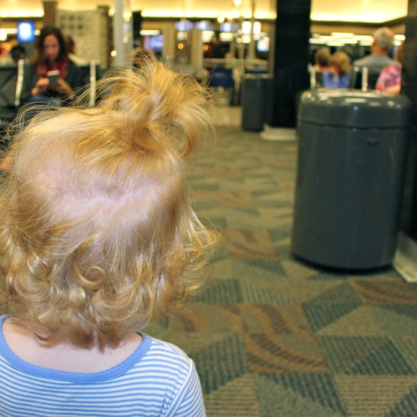 When to buy a seat on the plane for your child (baby or toddler) // Family Travel | Budget Travel | Flying with Kids