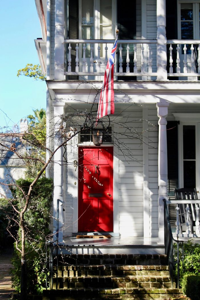 Self-guided walking tour of Charleston's historic neighborhood. // Unique Family Travel | Vacation Ideas | South Carolina