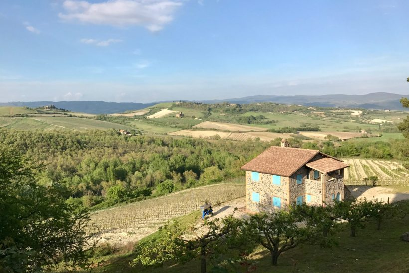A quiet countryside farmhouse brings charm and unmatched hospitality to your next family trip. // Family Travel | Italy Road Trip | Orvieto | Umbria