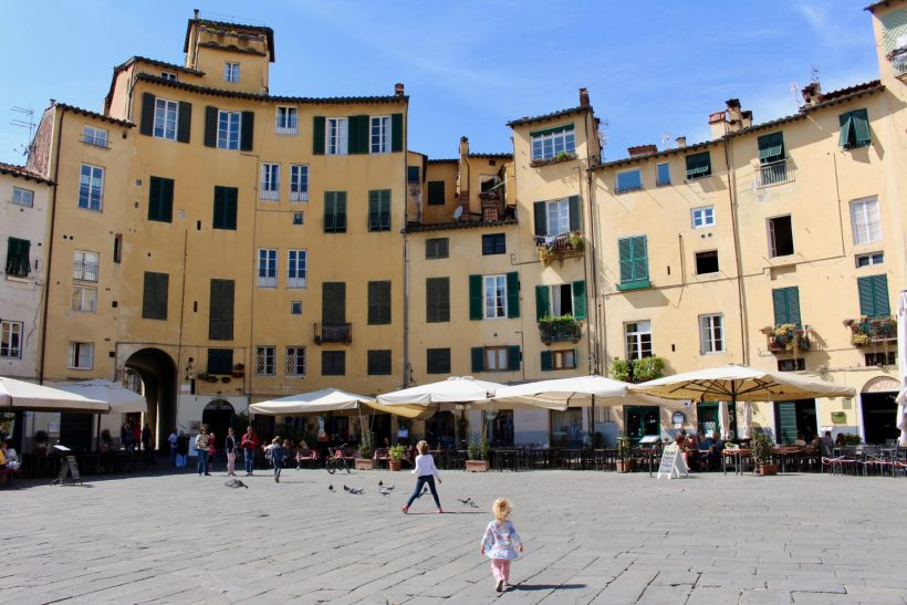 Pisa and Lucca: experience the touristy and the local while combining these two Tuscan cities into one Florence day trip. // Italy Travel | Tuscany | Italy by Train | Leaning Tower | Daytrip Itinerary | Europe Trip | Best Cities