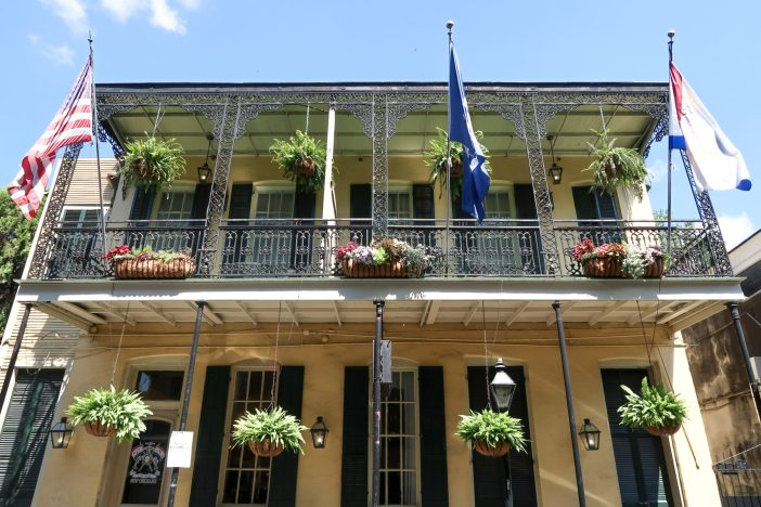 Top 10 things everyone must see and do in New Orleans! #neworleans #familytravel // Family Travel | Travel with Kids | New Orleans Bucket List | Top Things to See in New Orleans | Family-Friendly Things to Do | New Orleans Tours | New Orleans Itinerary | Where to Eat | Kid-Friendly | Family Hotels | Family Trip | Top Attractions | Travel Tips | Hidden Gems | US Travel | United States | the South | New Orleans | NOLA | Louisiana