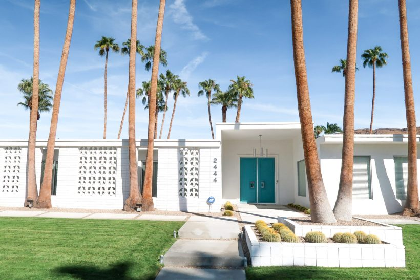 The best things to do in Palm Springs that are fun, quirky, and so full of kitsch. #palmsprings #socal #california #familytravel #travelwithkids // Family Travel Destinations | Travel with Kids | Family Vacation Ideas | California Bucket List | Palm Springs Weekend | Top Places in Southern California | Best Cities in the US for Families | Best Things to Do in Palm Springs | Where to Stay | Family-Friendly Itinerary