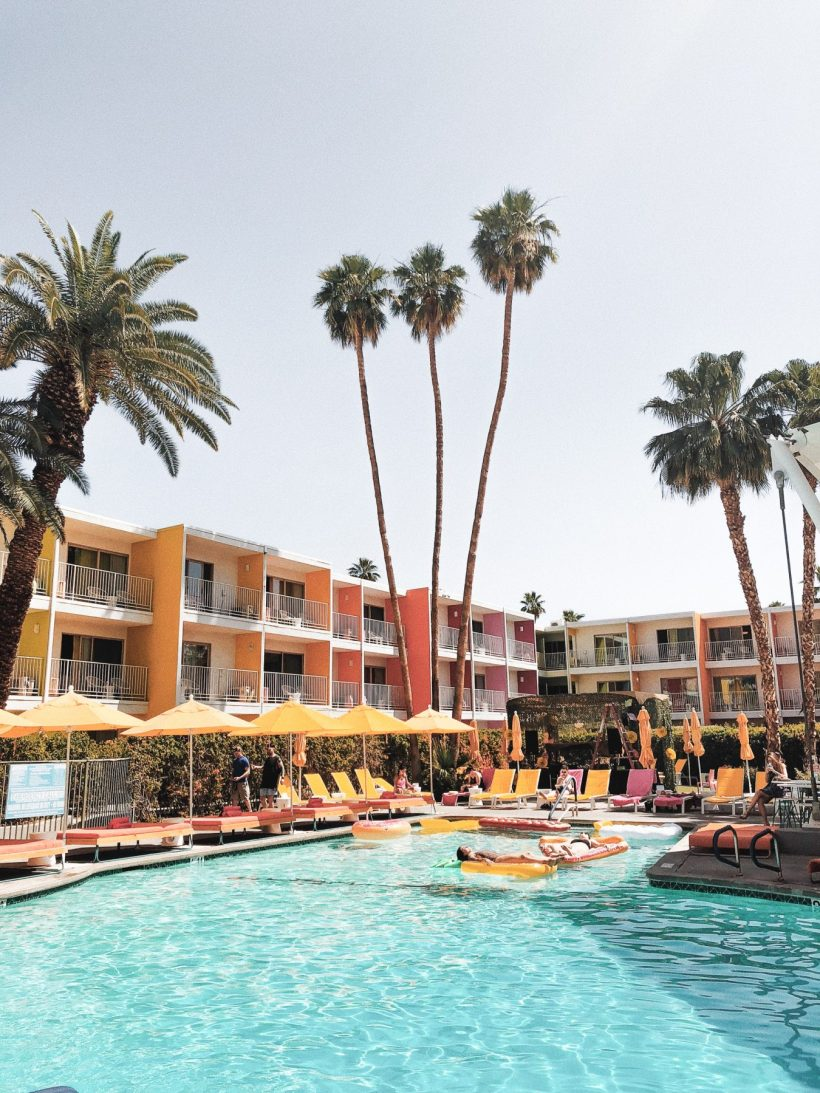 The best things to do in Palm Springs that are fun, quirky, and so full of kitsch. #palmsprings #socal #california #familytravel #travelwithkids // Family Travel Destinations   Travel with Kids   Family Vacation Ideas   California Bucket List   Palm Springs Weekend   Top Places in Southern California   Best Cities in the US for Families   Best Things to Do in Palm Springs   Where to Stay   Family-Friendly Itinerary