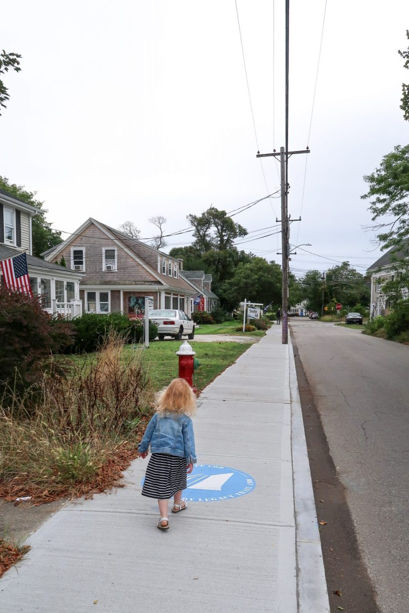 Planning a trip to Cape Cod with kids? Here's 8 fun things to add to your itinerary for the perfect Cape Cod vacation with kids. #capecod #massachussetts #usa #familytravel // Family Travel Destinations | Cape Cod Itinerary | Cape Cod Things to Do | Best Beaches | Where to Stay in Cape Cod | Best Cities to Visit | Where to Eat | Kid-Friendly Activities | Family Hotels | Provincetown Day Trip | Nantucket vs. Martha's Vineyard | Family Hotels | Boston Day Trip | New England Cities