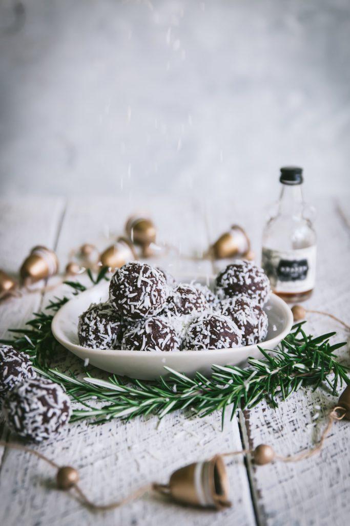 rum ball recipe, healthy rum ball recipe, rum balls, Christmas recipes, festive recipes, chocolate, healthy treats, paleo rum balls