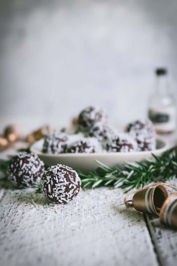 rum ball recipe, healthy rum ball recipe, rum balls, Christmas recipes, festive recipes, chocolate, healthy treats, paleo rum balls