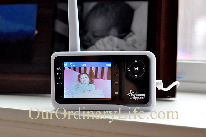 Tommee Tippee closer to nature Digital Video Sensor Pad Monitor Zoom