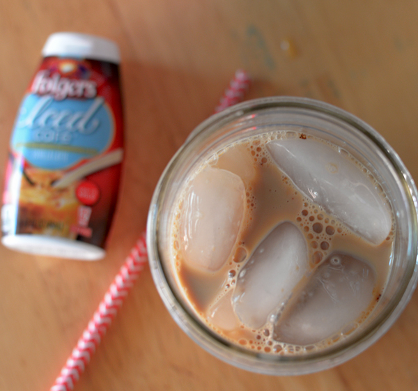 Folgers iced coffee with cake chocolate doughnuts (4)