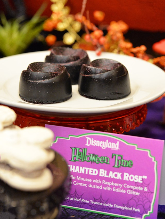 Black Rose Dessert disneyland halloween dessert