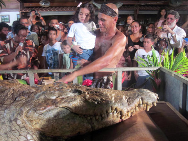 The funeral of Pocho the Crocodile