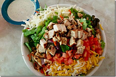 Chuy's Salad