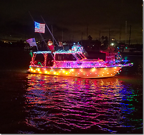 2018 Christmas Boat Parade 23