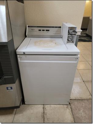 La Quinta Brandon Guest Laundry 2