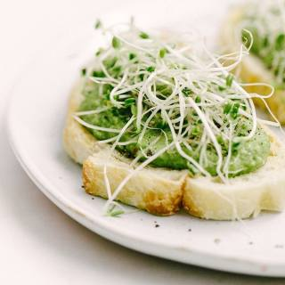 Roasted Garlic Sweet Pea Bruschetta