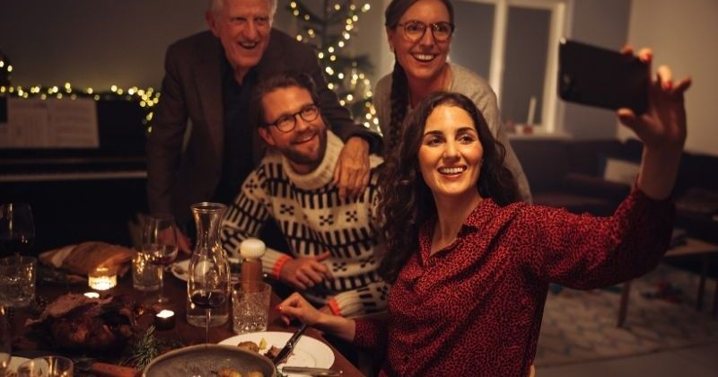 Reaching out to isolated seniors and loved ones during the holidays