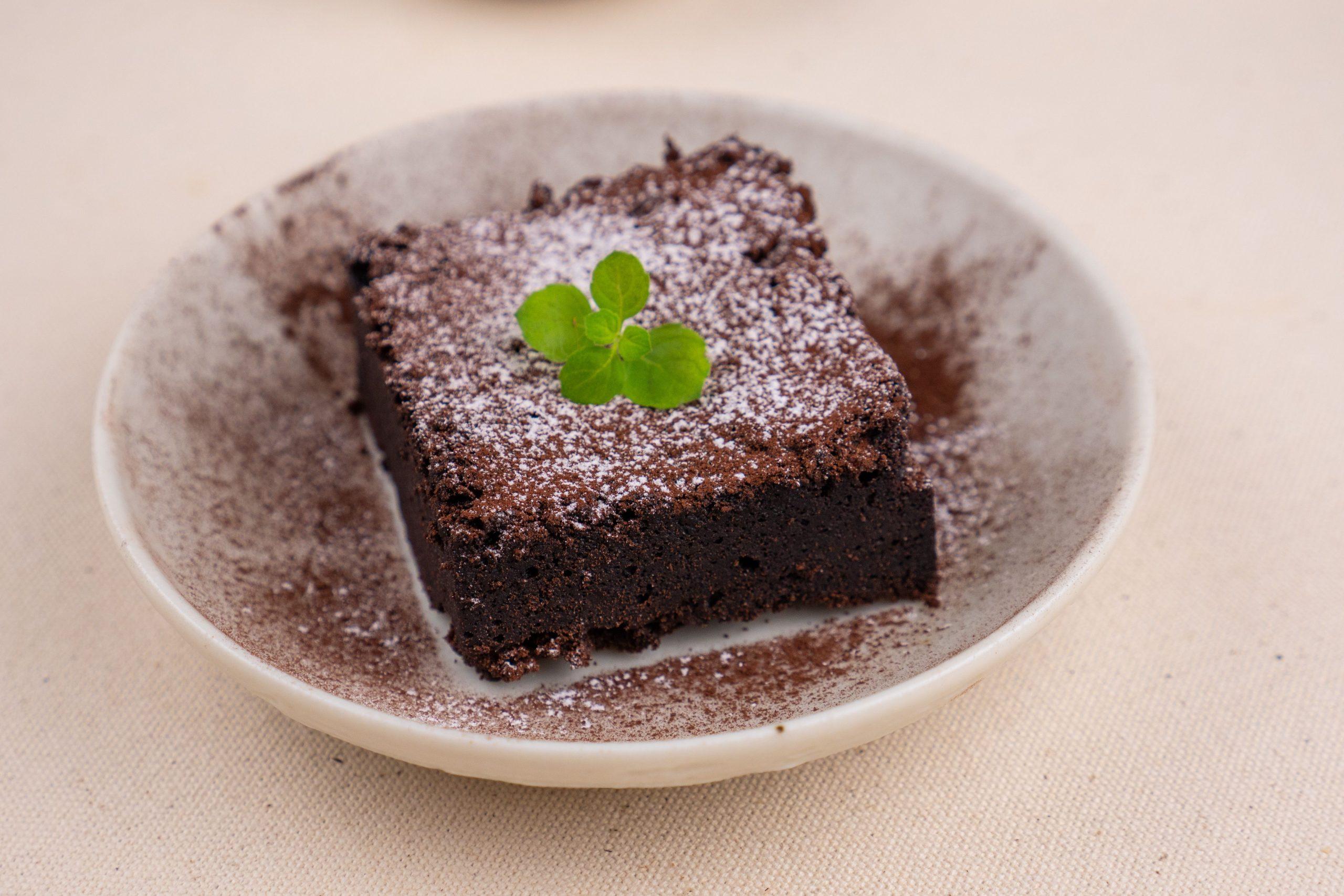 禾火甜點|核桃布朗尼,濕潤又鬆軟,巧克力香氣縈繞口中