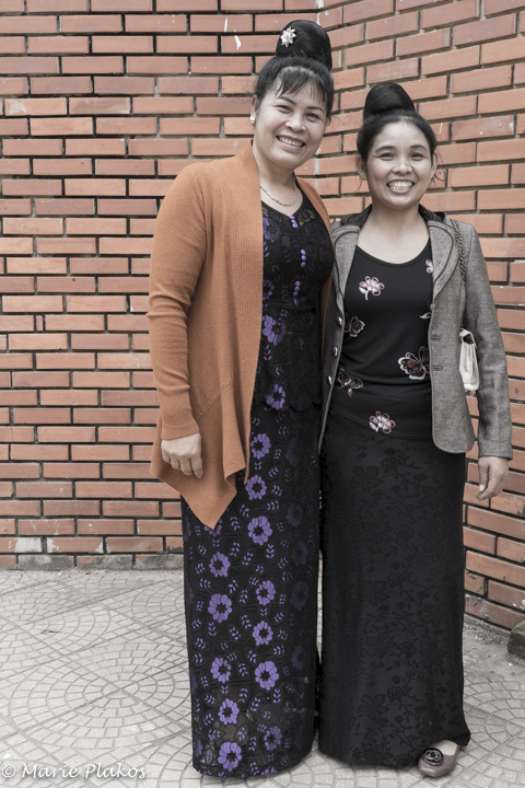 Leo Thi Chai and her sister-in-law
