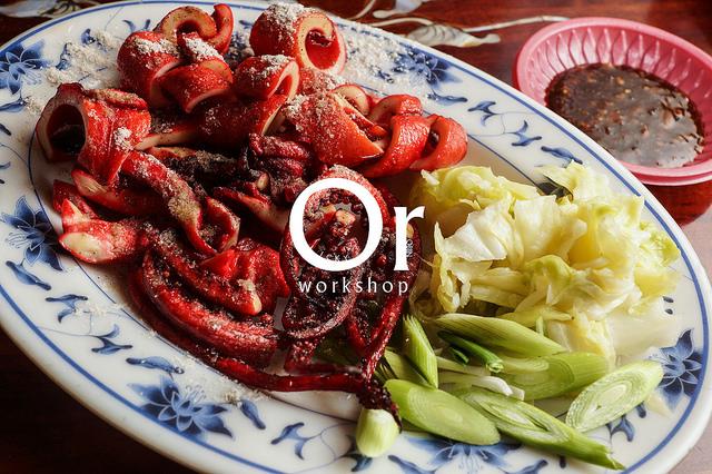[食記]宜蘭羅東 令人朝思暮想的紅糟魷魚 酥脆入味 羊肉湯甘甜-添丁伯紅糟魷魚