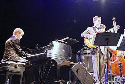 Олег в составе Московского джаз-оркестра в Хьюстоне. Фото Ольги Вайнер