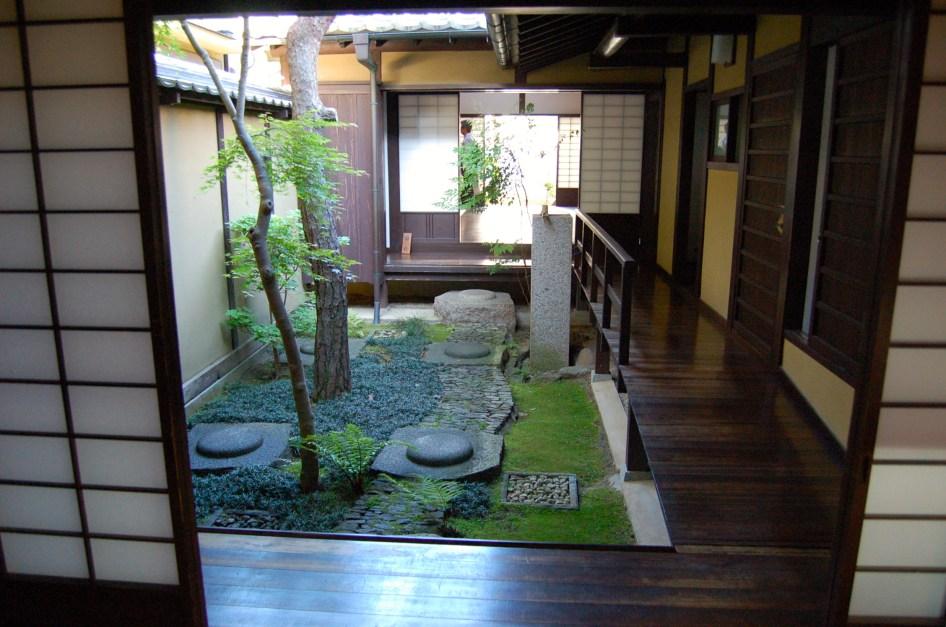 Lattice house inner garden