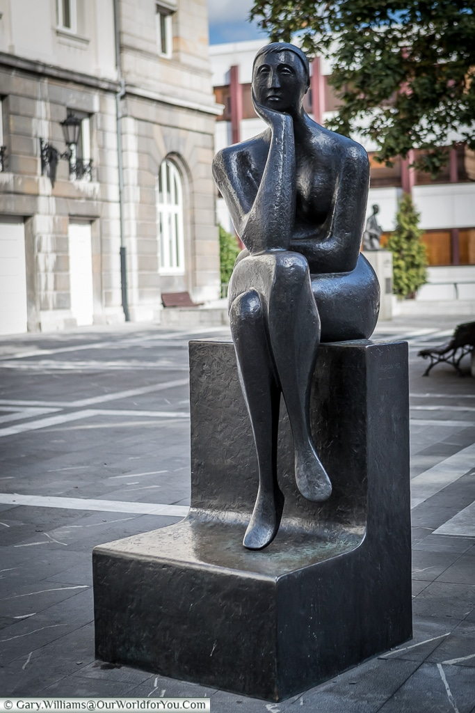 The bronze of 'La Pensadora', The Thinker, Oviedo, Spain