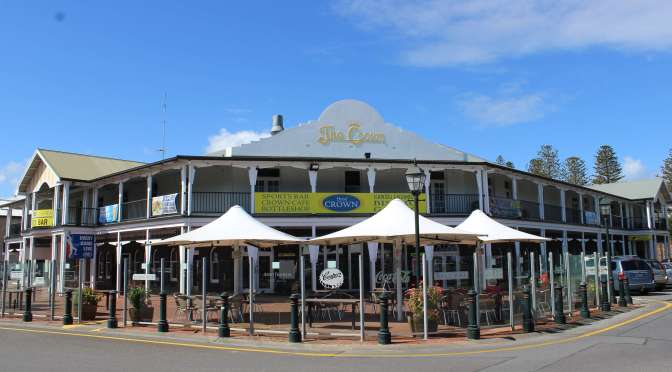 Whales, Penguins and the Hotel Crown at Victor Harbor