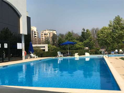 Does the Sheraton Tirana Hotel have a swimming pool?