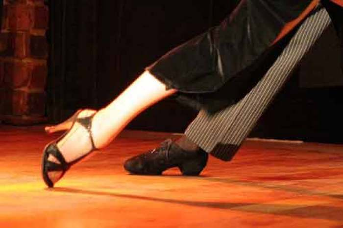 tango-9