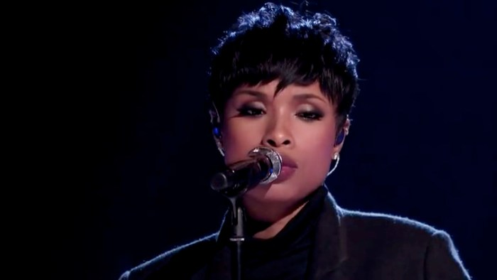 Jennifer-Hudson-sings-Hallelujah-on-A-Home-For-The-Holidays-VIDEO