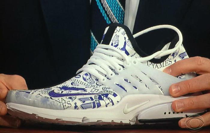 stephen-colbert-nike-sneakers-1_o6dqzj
