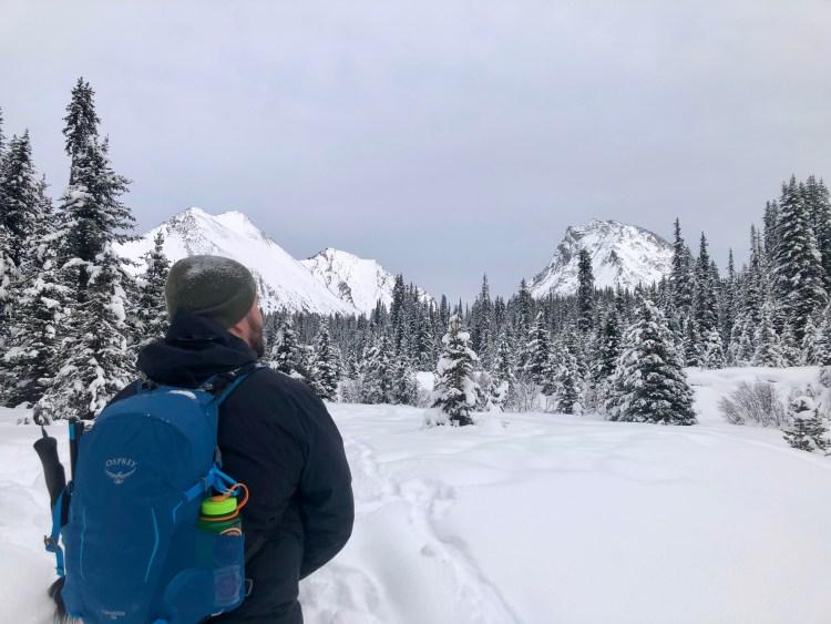 Bringing winter hiking gear in my Osprey Hikelite pack