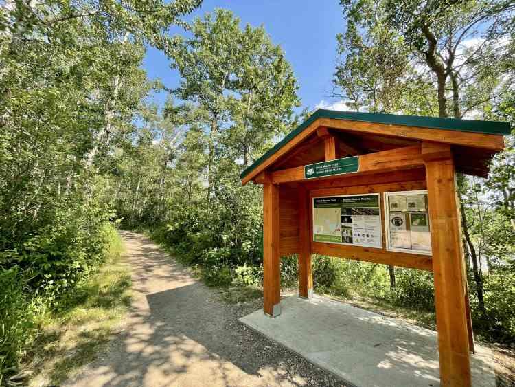 Amisk Wuche Elk Island hike