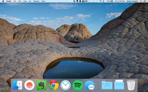 My clutter-free desktop