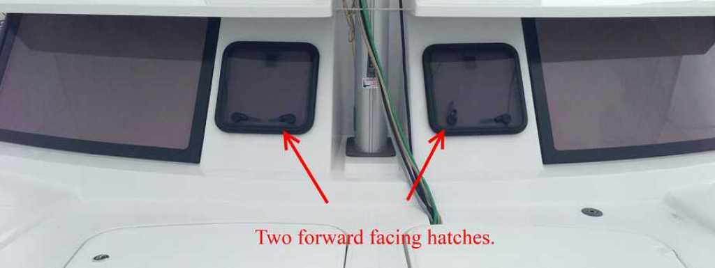 Forward Hatches on Helia 44