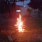 焚き火 「プチ キャンプファイヤー!?」