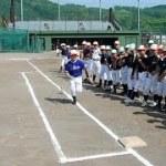 野球技術 元プロが指導 芦別で小学生キャンプ