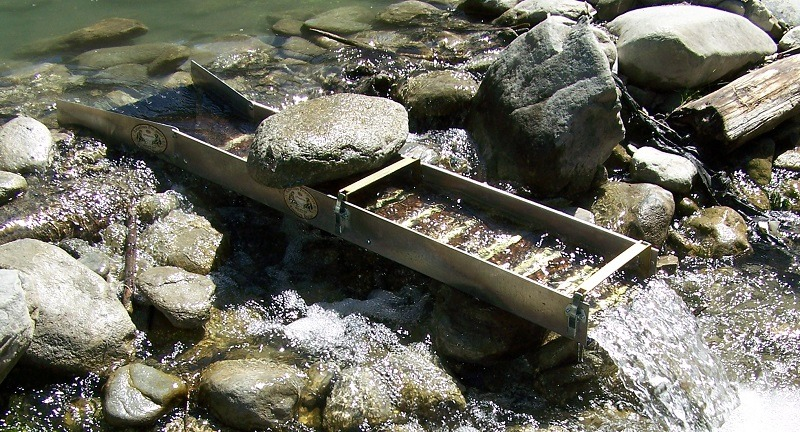 how to build a gold sluice box